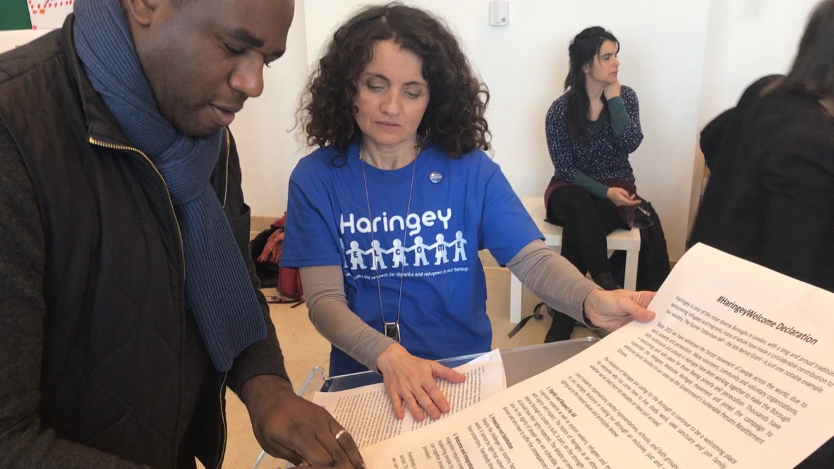 David Lammy MP signing Haringey Welcome pledge to promote dignity and respect for migrants and refugees in the borough of Haringey.